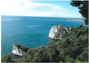 La costa de Trieste. Al fondo está Venecia